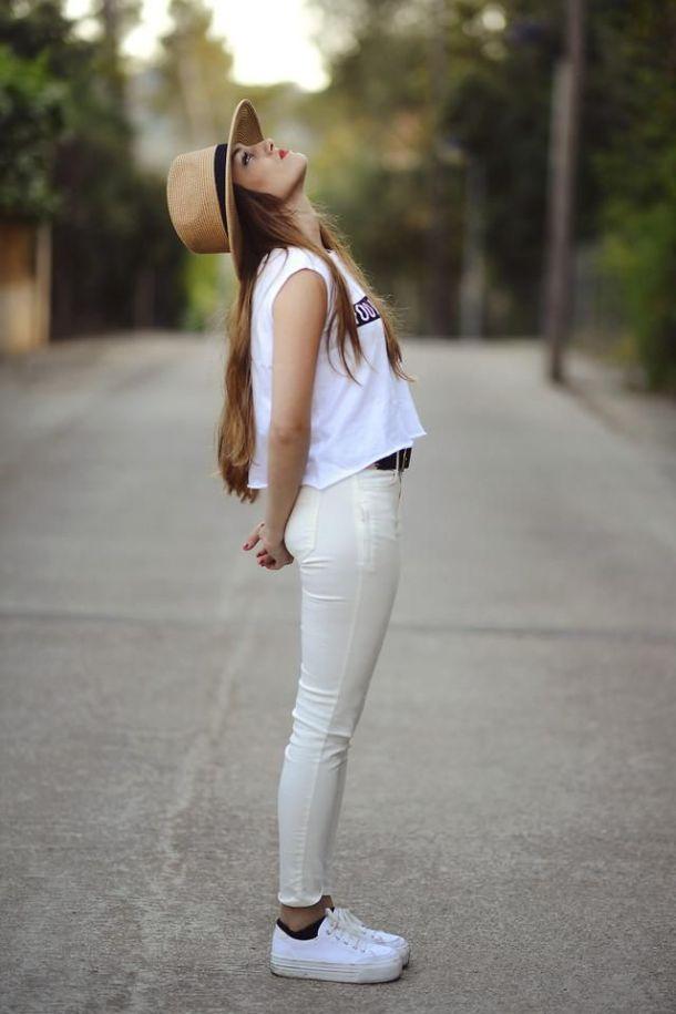 summer-look-white-sneakers