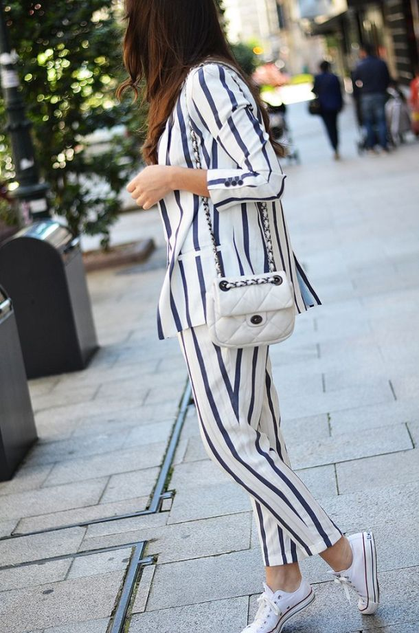 the-white-sneakers-spring-style-4