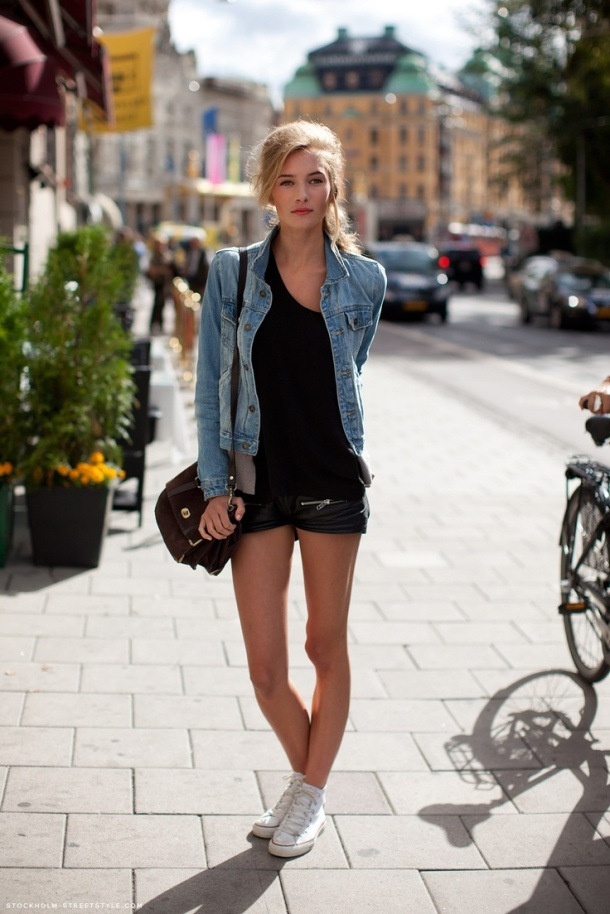 the-white-sneakers-spring-style-9