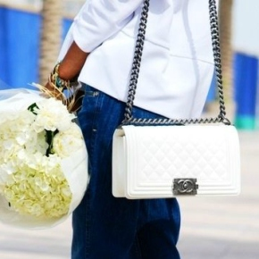 Are WHITE BAGS Back InStyle?