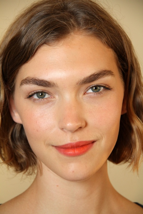 arizona muse 2 thick eyebrows How About This Massive Trend: THICK BIG BOLD Eyebrows?