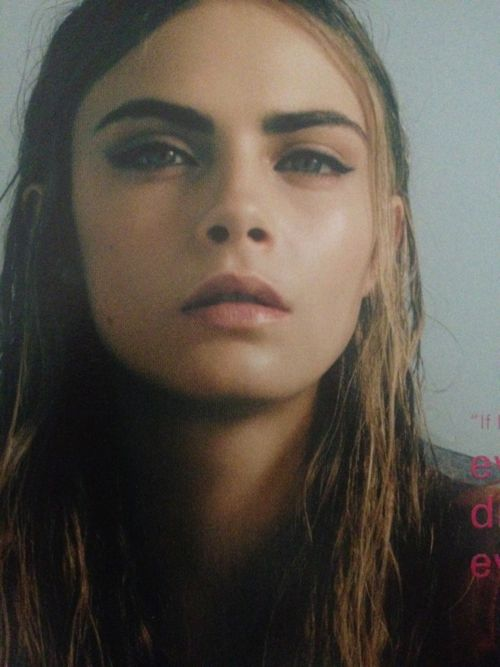 cara-look-thick-eyebrows