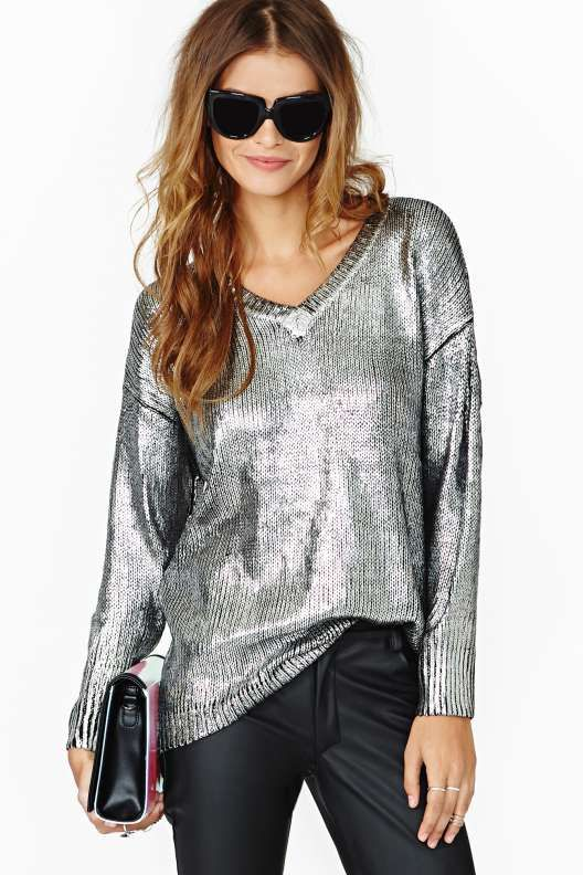 metallic-sweater-look