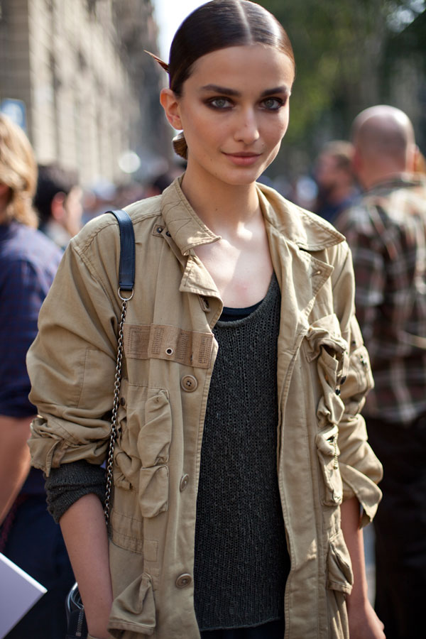 milan street style diego zuko How About This Massive Trend: THICK BIG BOLD Eyebrows?