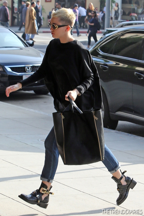 mileycyrus-cut-out-booties