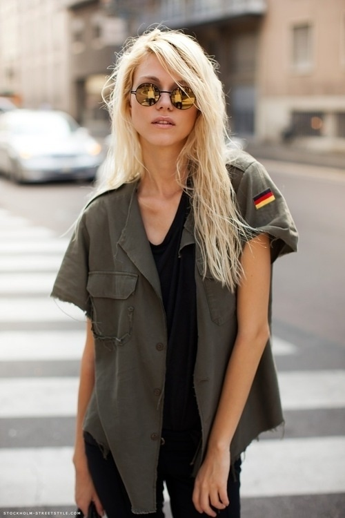 mirrored-sunglasses-street-style