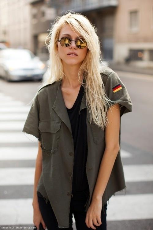 mirrored-sunglasses-street-style