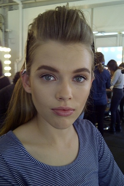 models-new-look-thick-eyebrows
