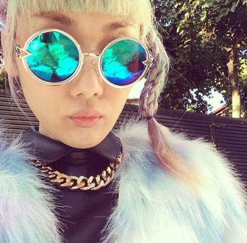 round-mirrored-sunglasses-look
