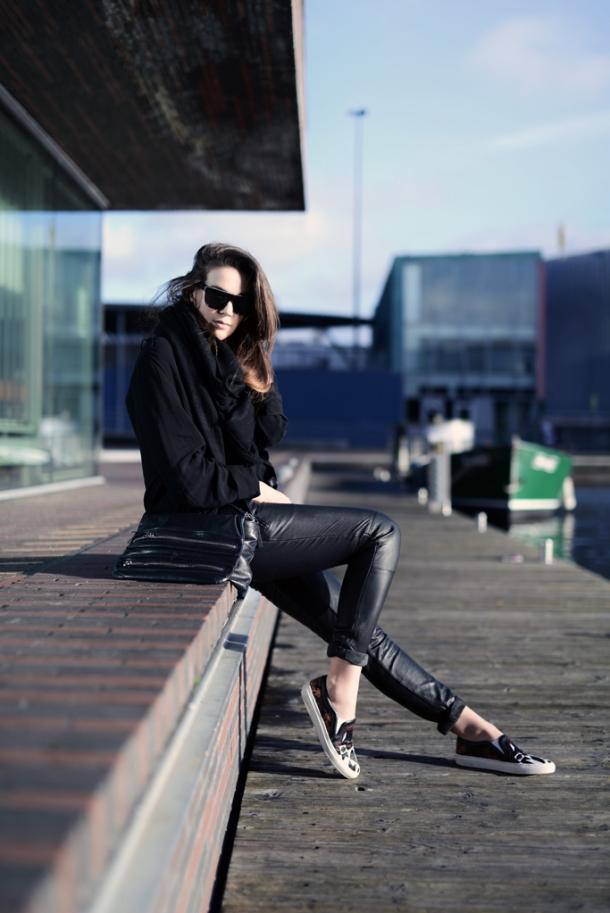slip-ons-sneakers-street-style (7)