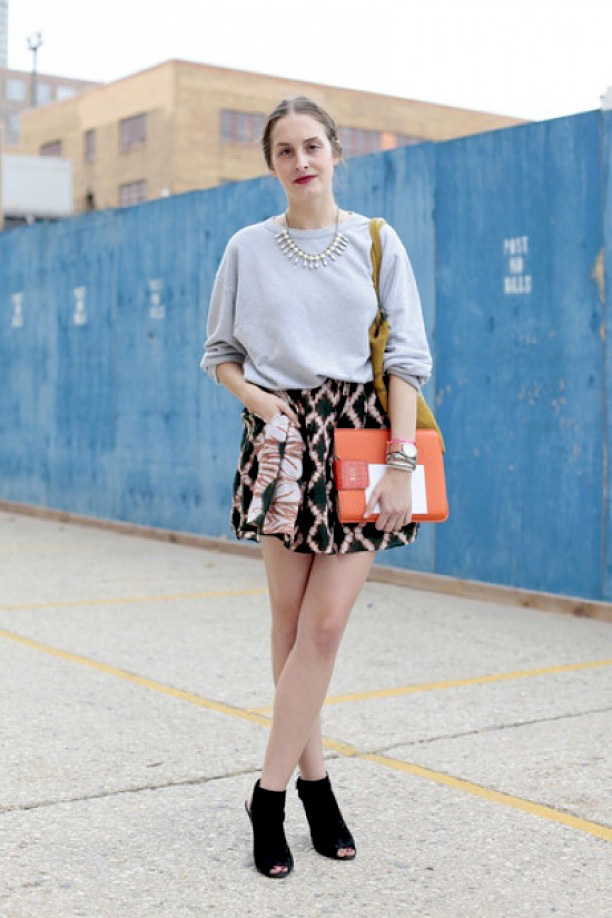 street-style-baroque-mini-skirts