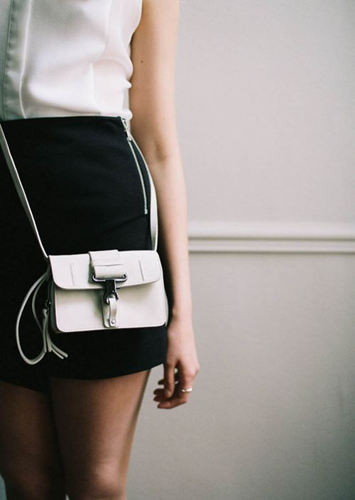 tiny-white-bag-look