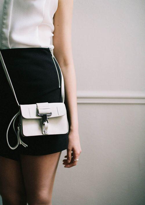 tiny-white-bag-look