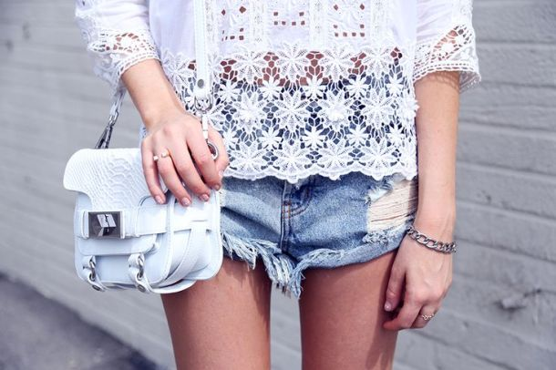 tiny-white-bag-style