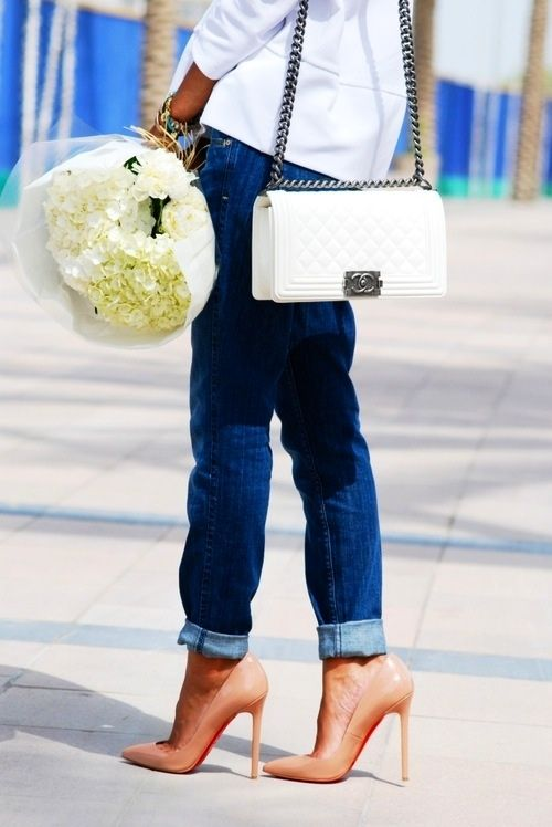 white-bag-look