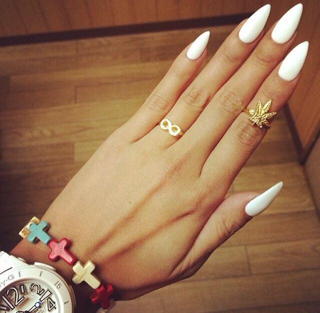 white-matte-nails-trendWhite Matte Nails