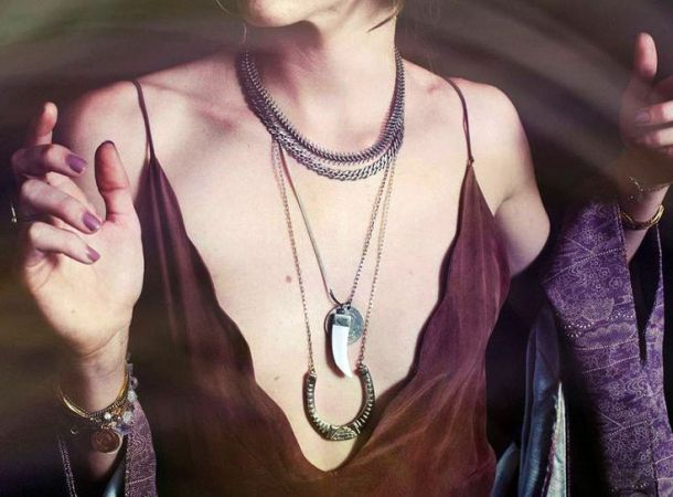 layering-long-thin-necklaces