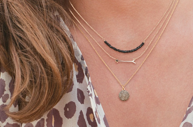 layering-thin-necklaces (2)