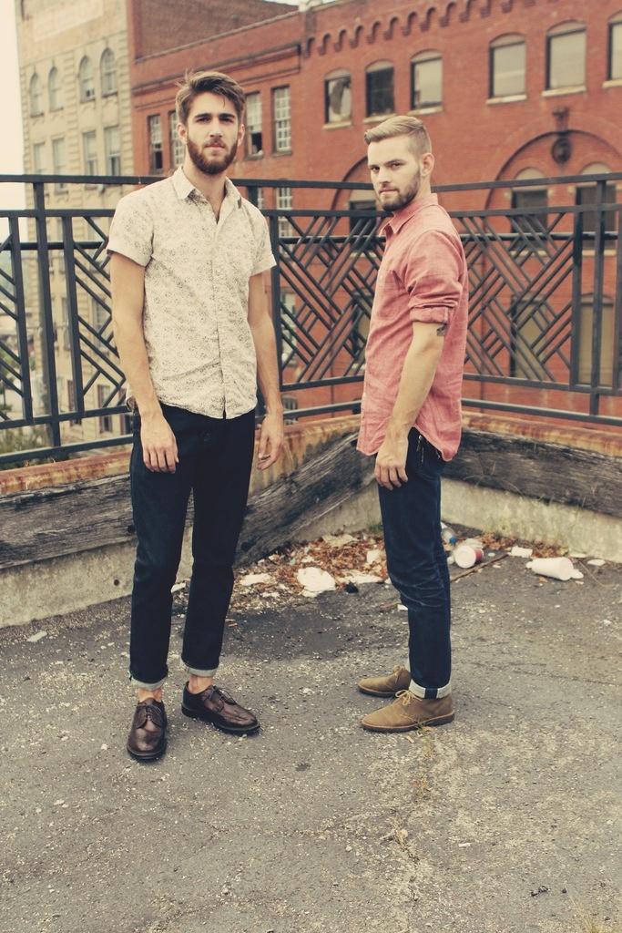 men-style-cuffed-jeans-