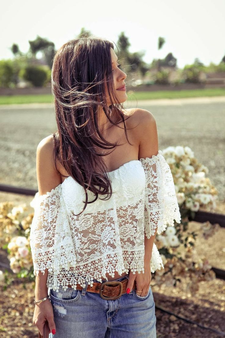 off-the-shoulders-lace-top