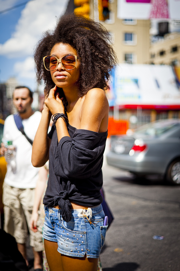 off-the-shoulders-top-and-cutoffs