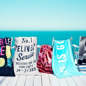 There's A New Accessory In Town: BEACHTOWELS
