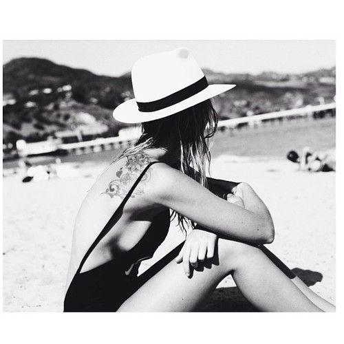 2014-summer-trend-one-piece-swimwear