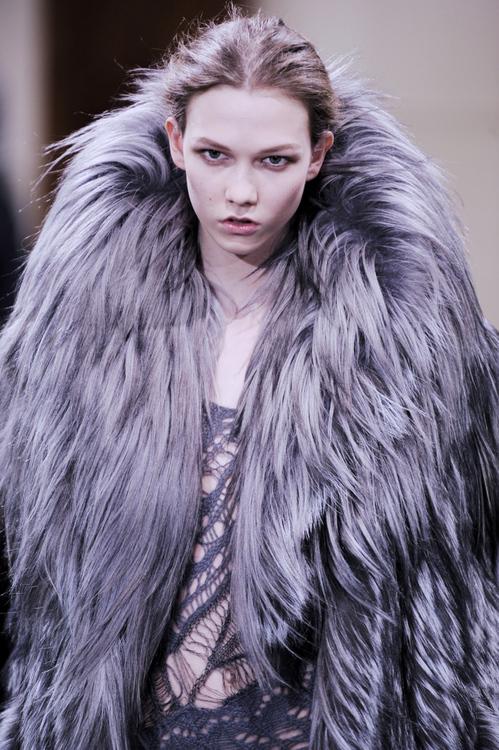 Julien Macdonald: London Fashion Week A/A 2009 - Runway
