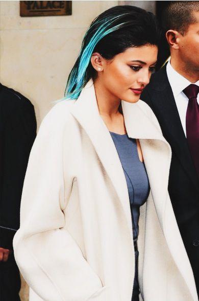 kylie-jenner-style-blue-hair
