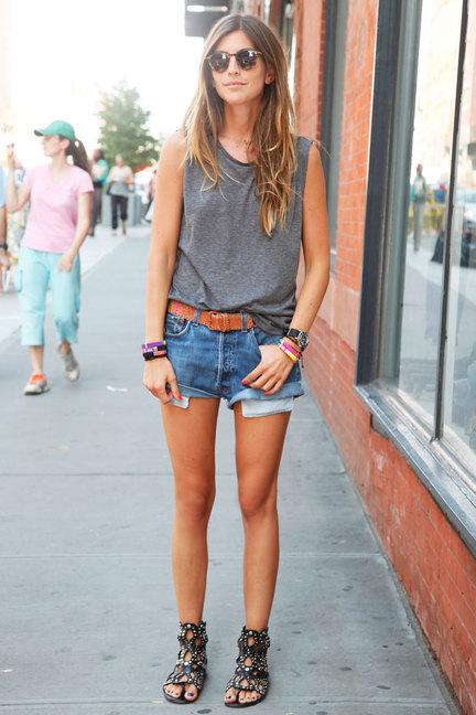 street-style-denim-shorts