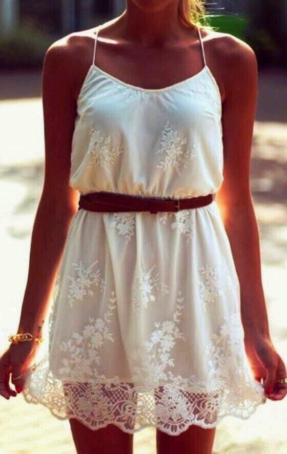 white-summer-dresss-beach-style