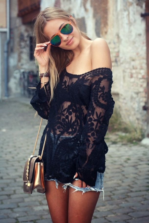 black-lace-top-summer-look