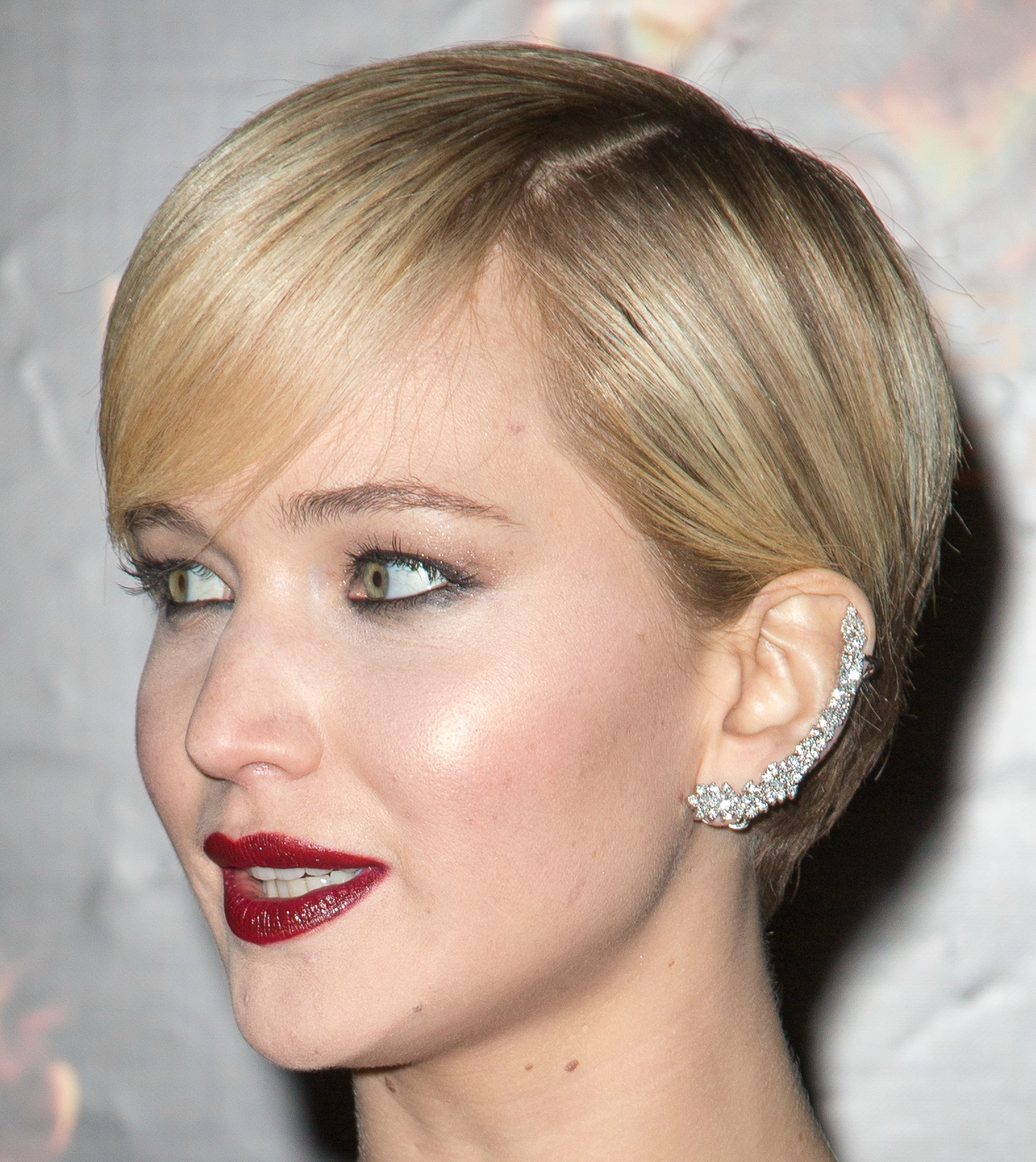 Shopping For Ear-Cuffs To Look Chic