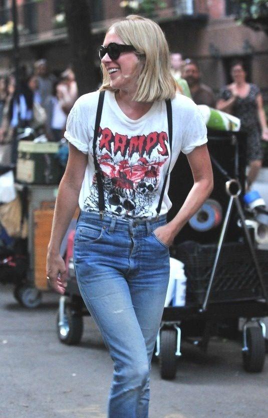 suspenders-look-jeans-graphic-tee
