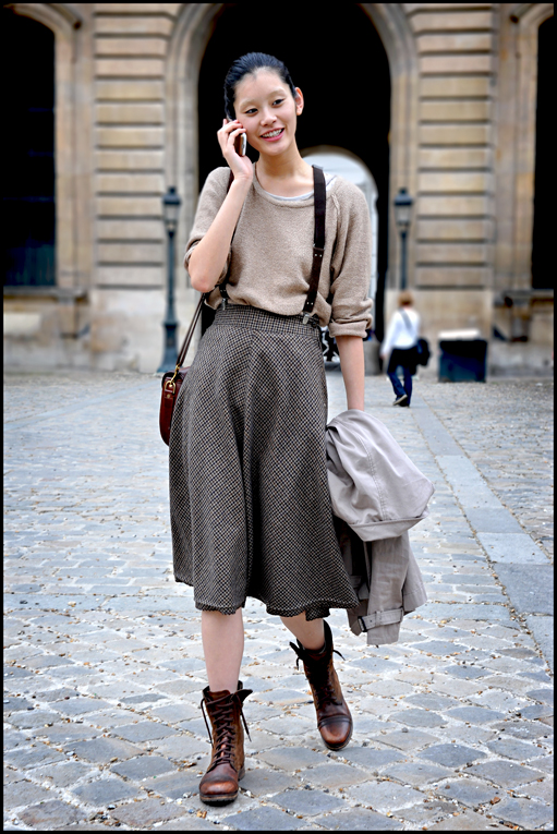 suspenders-look-midi-skirt