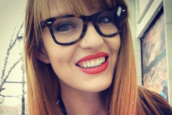 dagny-style-ambassador-glasses-main-600x400