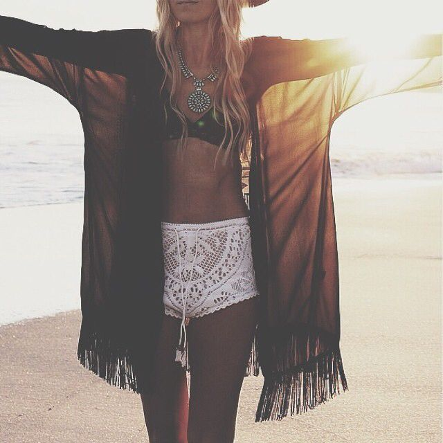 summer-shorts-beach-looks