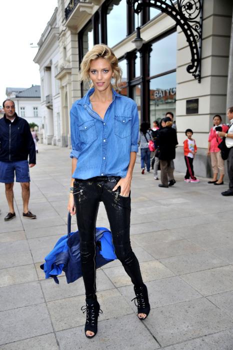 how-to-wear-a-denim-shirt (11)