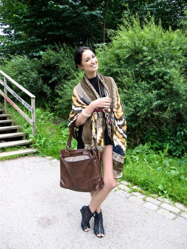 street-style-poncho (3)
