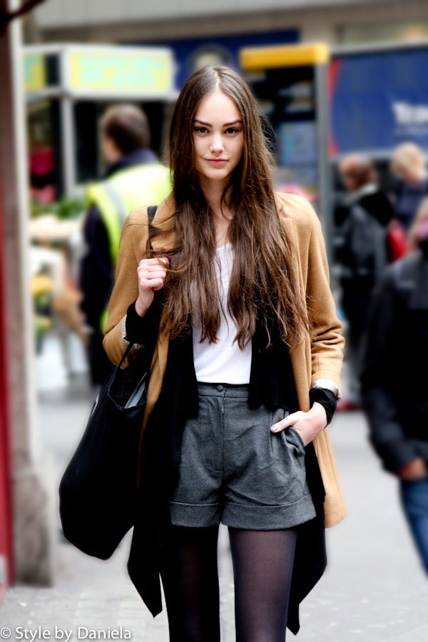 autumn-trend-leather-shorts