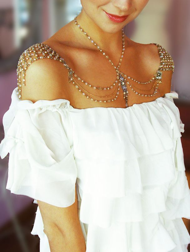 How To Wear Body Chains All Year Round?